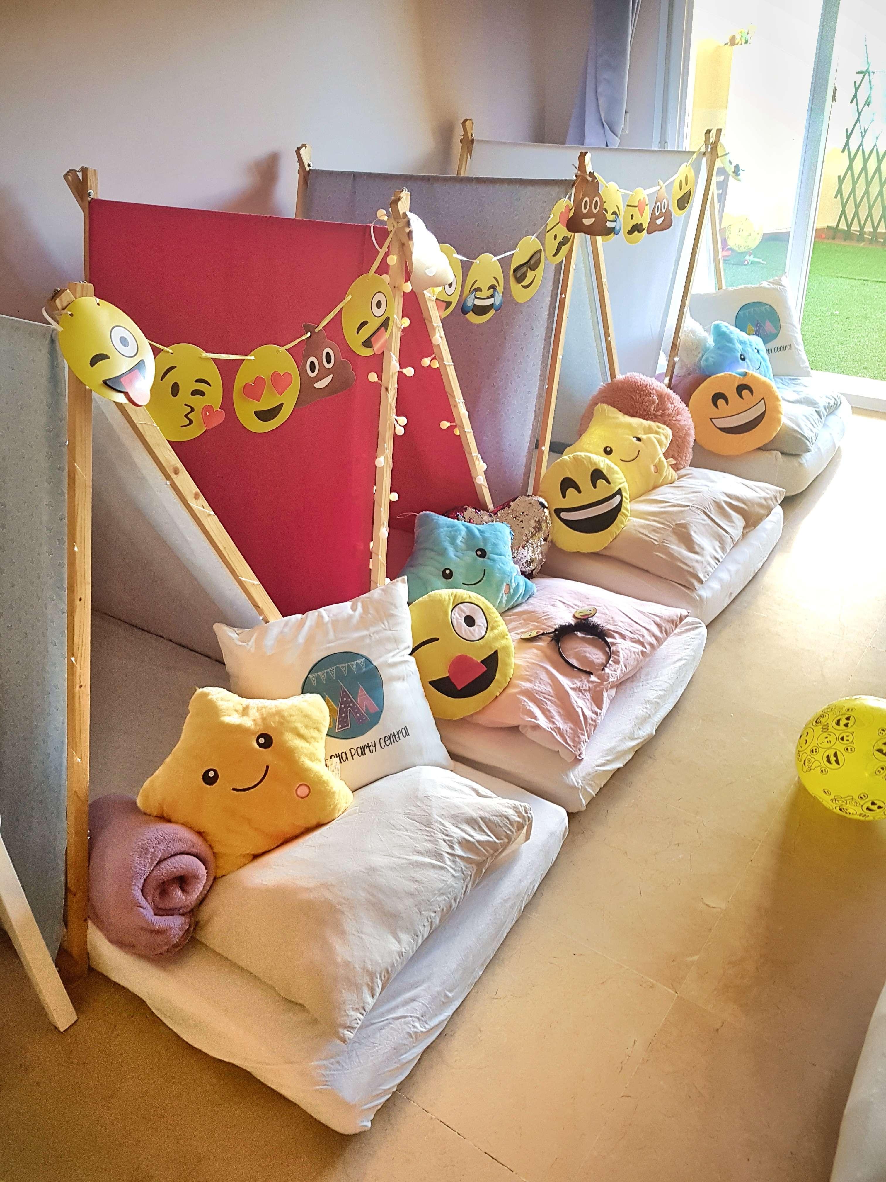 Emoji sleepover party